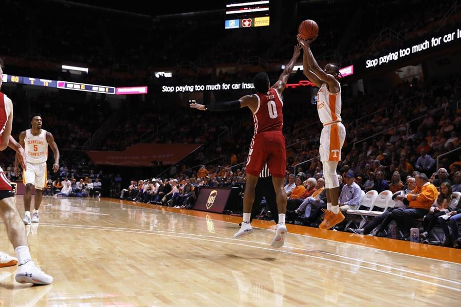 Vols lose to Wisconsin 68-48; lost 3-of-4 and shooting woes continue