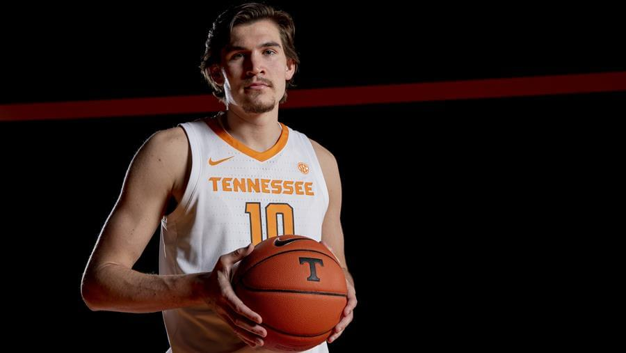 Hoops Preview: Tennessee vs. South Carolina