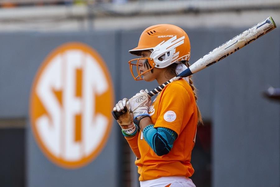 Tennessee Pulls Off Win at ASU to Finish Opening Weekend
