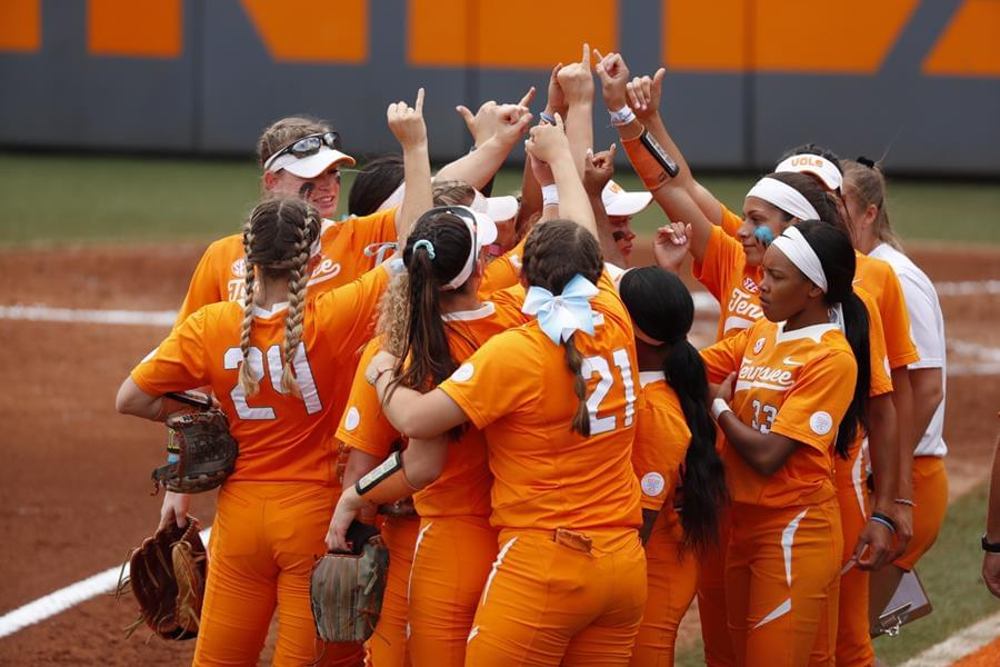 Timely Runs, Turner's Stuff Lifts UT Over CSU