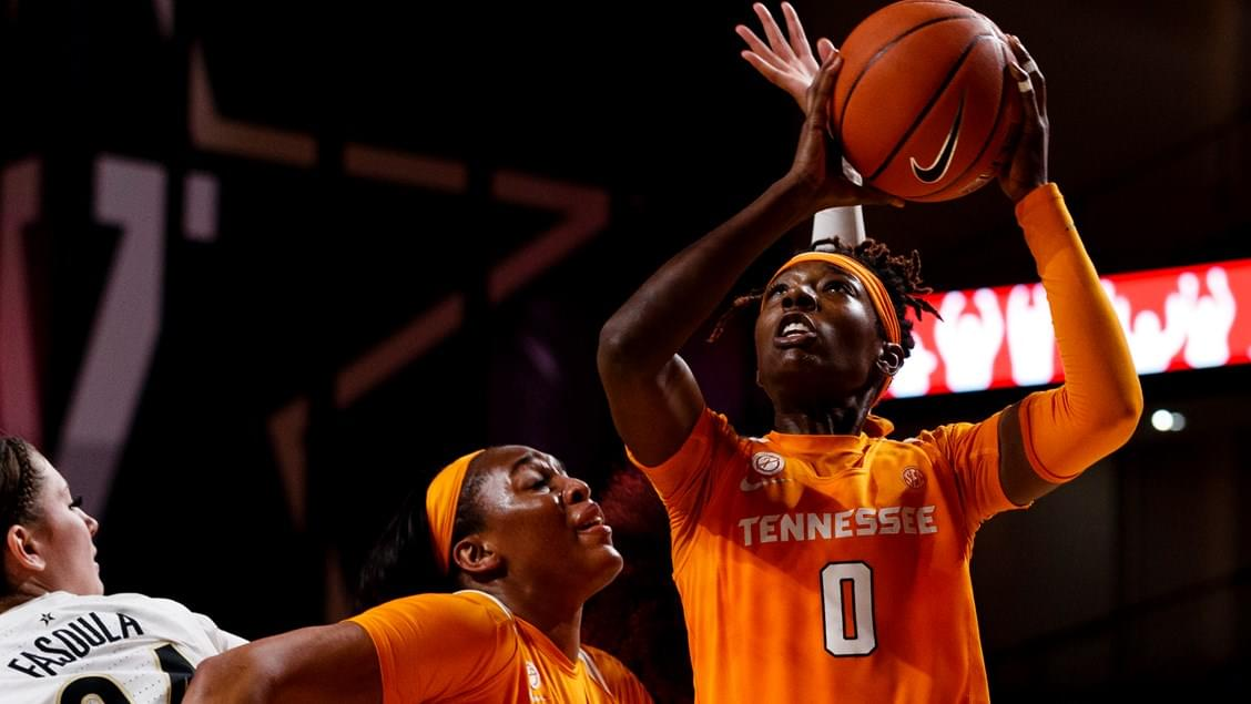 Lady Vols Earn SEC Tie for Third in Heart-Stopper at Auburn, 56-55