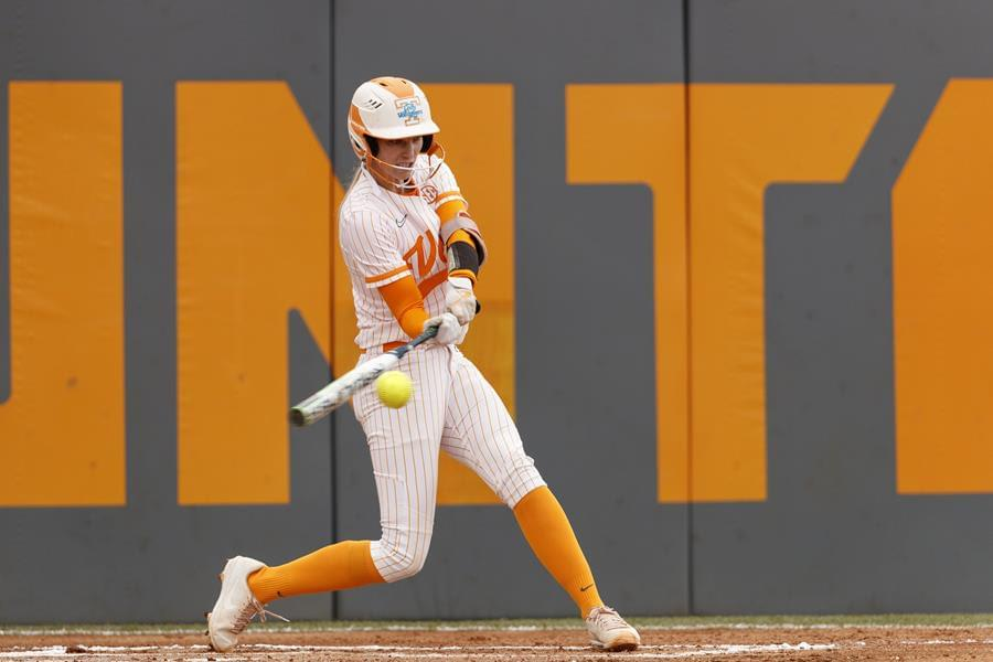 Lady Vols Dominate Stanford, 5-0, in Finale of Tennessee Invitational