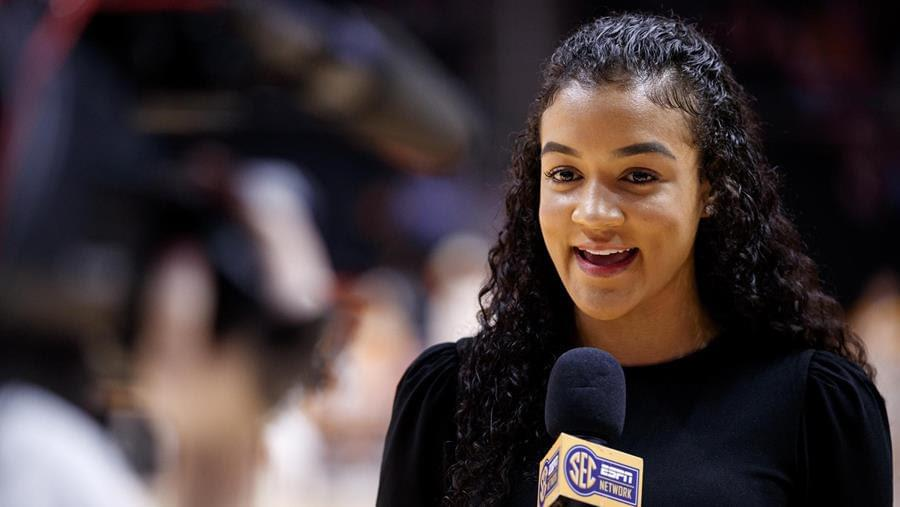 Rocky Top leads Lady Vol Hops' Carter on journey from the court to the mic