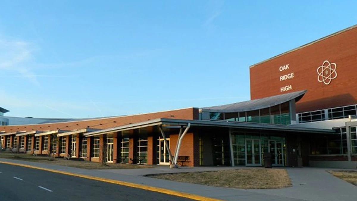 Oak Ridge High School Staff Member Tests Positive for COVID-19
