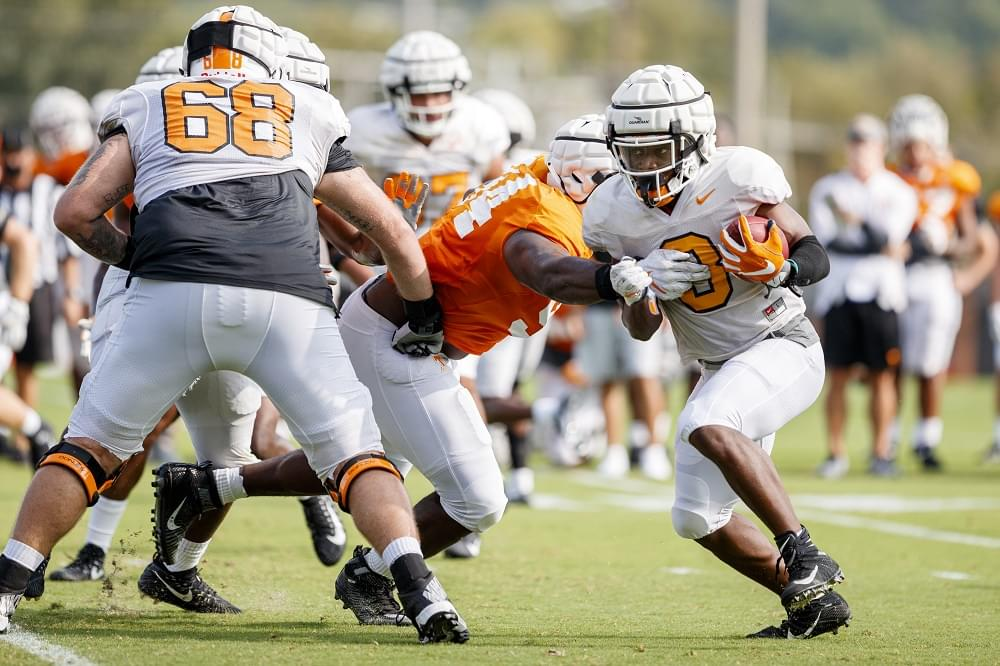 Photo Gallery: Tennessee football fall practice 15