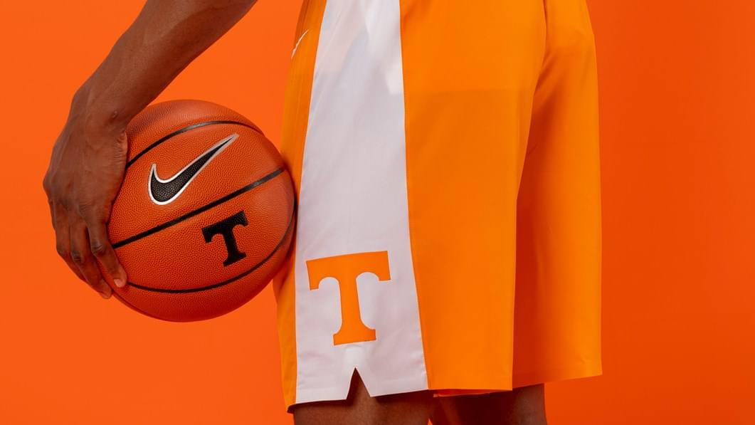 Vols Basketball shutdown extended, won't play Gonzaga or Notre Dame; update on Barnes