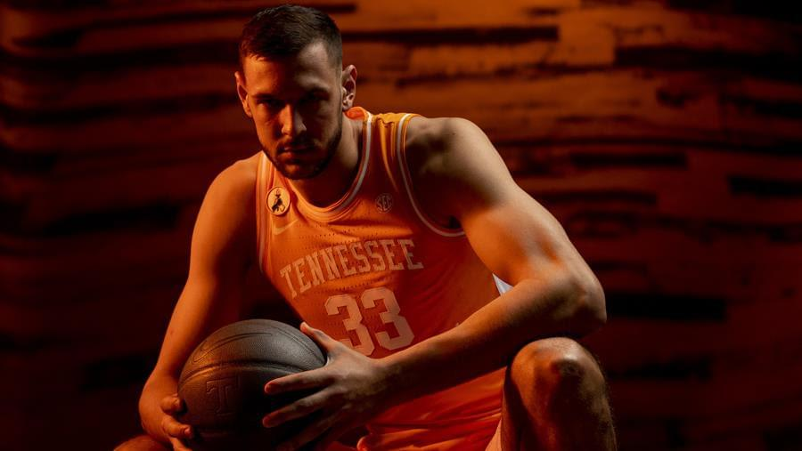 Hoops Preview: #10 Tennessee vs. Saint Joseph's