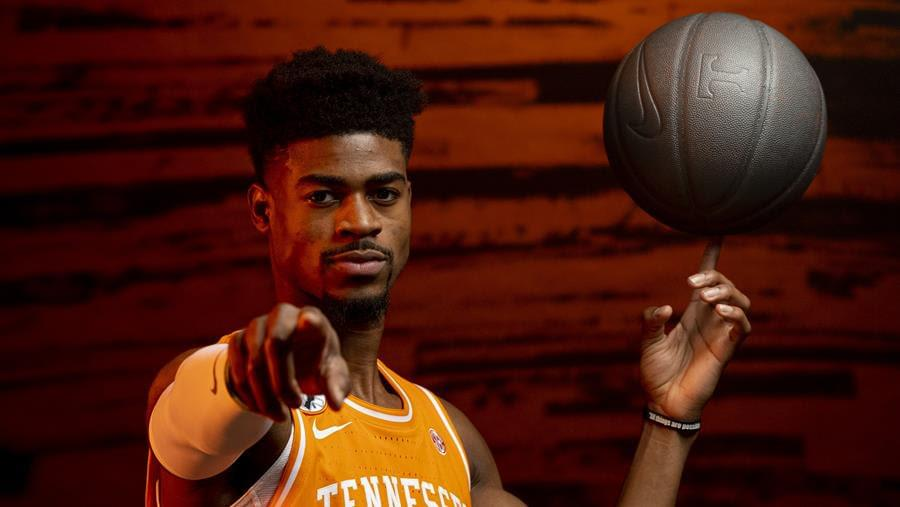 Hoops Preview: #7 Tennessee at #12 Missouri