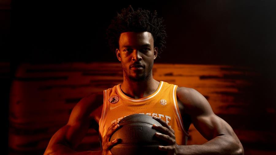 Hoops Preview: #6 Tennessee vs. #19 Missouri
