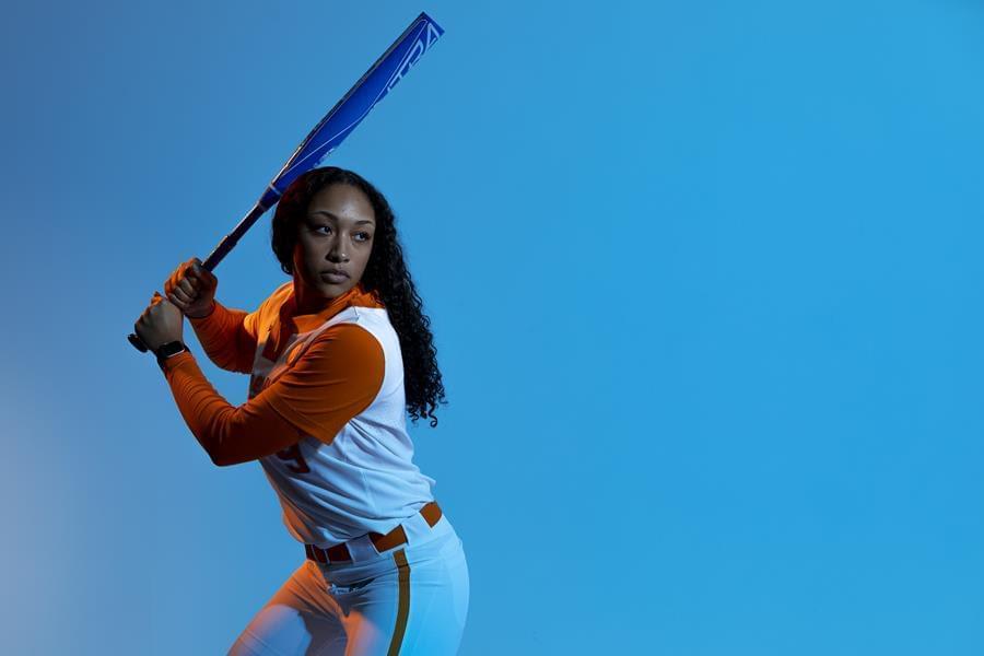 Softball Preview: No. RV/23/24 Lady Vols at Kickin' Chicken Classic