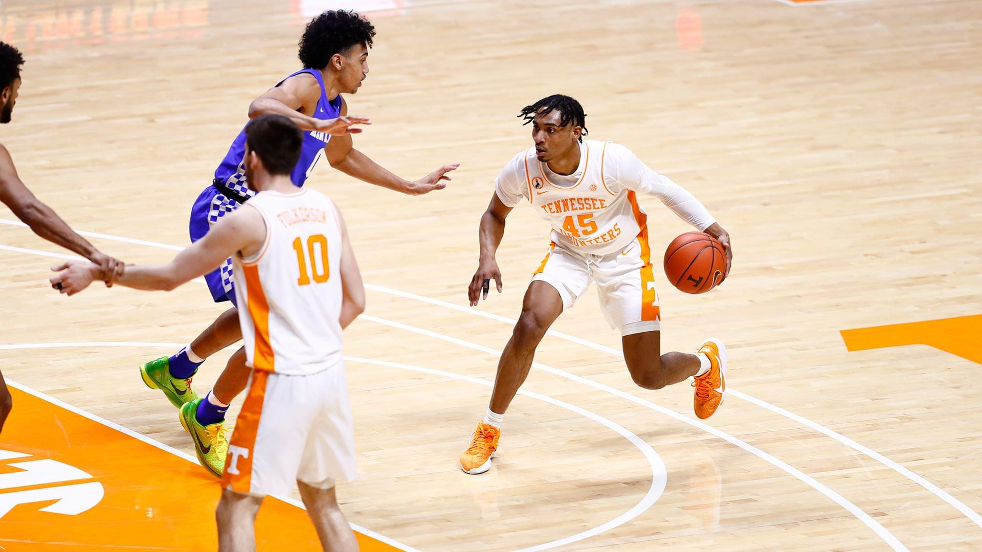 Vols Fall at Home to Kentucky, 70-55