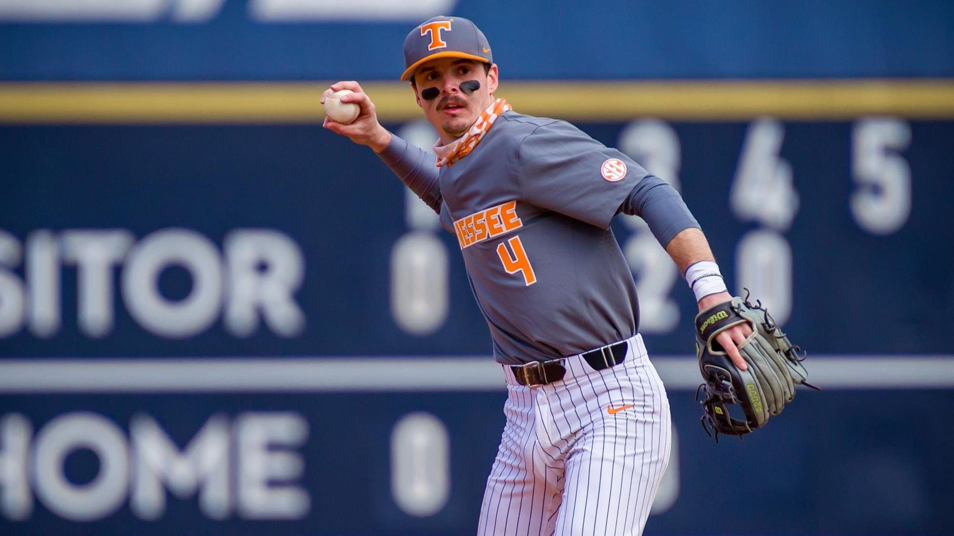 Spence's Slam in Extras Lifts #16 Vols to Series Sweep