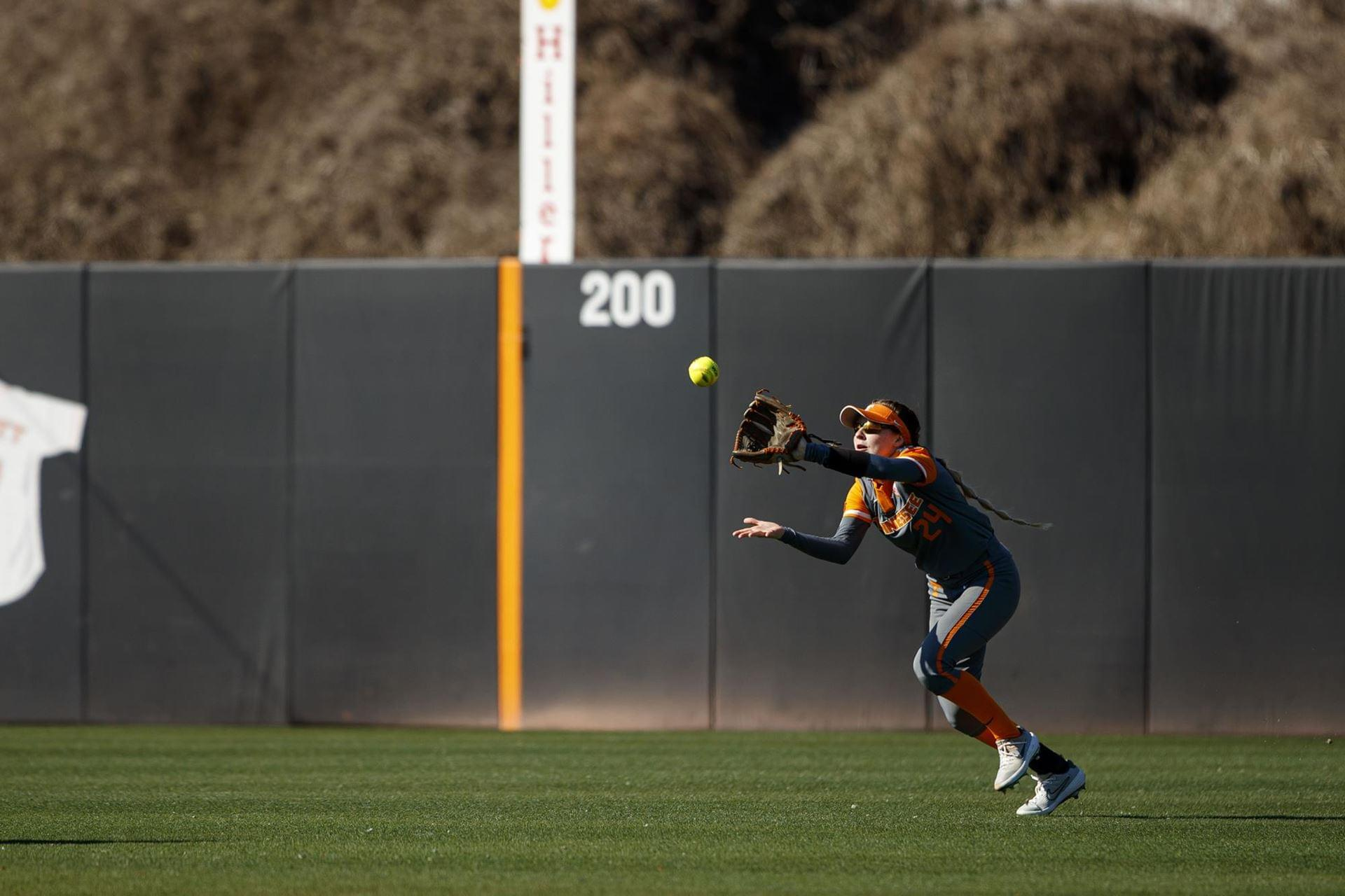 Lady Vols Split Sunday Doubleheader Against Miami (OH)
