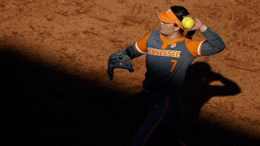Boxscore/Story: #21 Tennessee Falls in Series Finale to #3 Alabama, 3-0