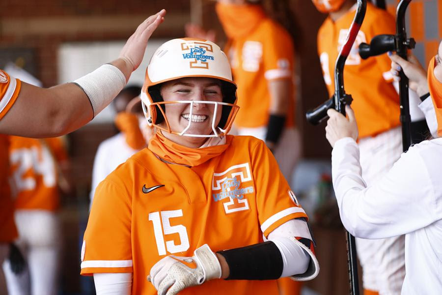 Postgame/Boxscores/Photos/Stories: No. 21 Lady Vols Roll Past Kennesaw State in Midweek Doubleheader