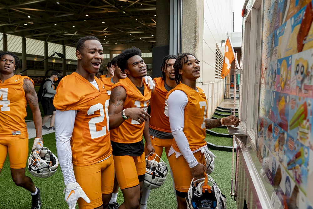 PHOTO GALLERY: Vols Football Spring Practice #2