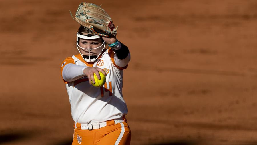 Boxscore/Story/Season Stats: Rogers Dominant in the Circle, Leads UT to 6-2 Victory Over #8 Kentucky