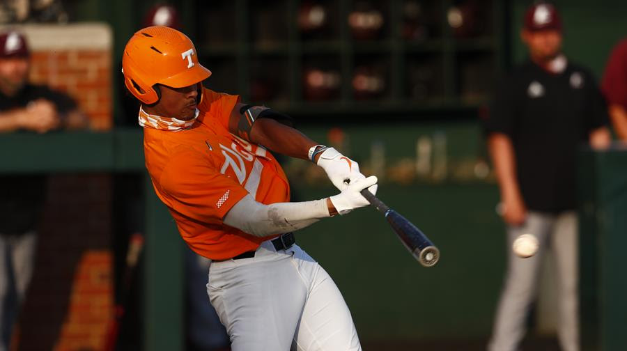 Postgame/Boxscore/Story: #4 Vols Cruise by Colonels, 10-1