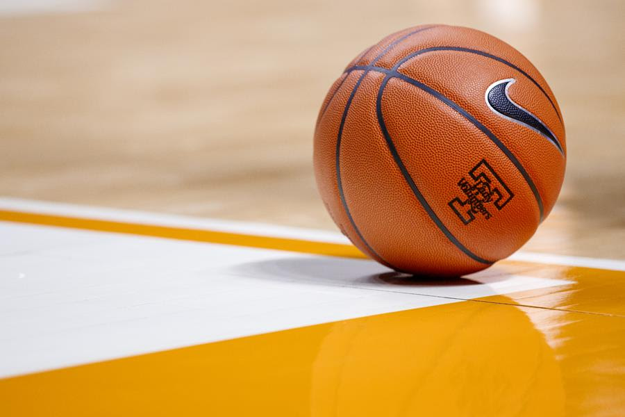 Harper comments after two assistants leave Lady Vols staff