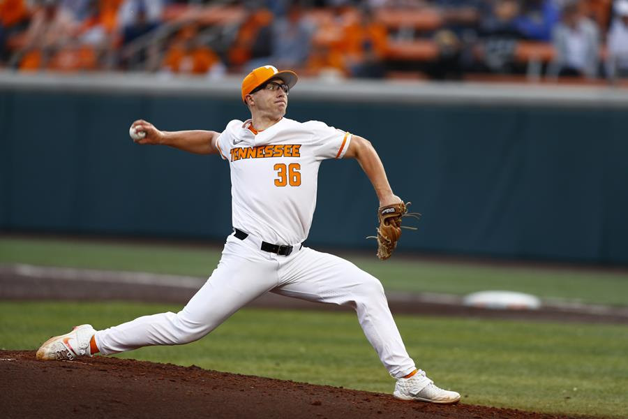 Postgame/Boxscore/Story: #3 Vols Drop Series Opener to #2 Commodores