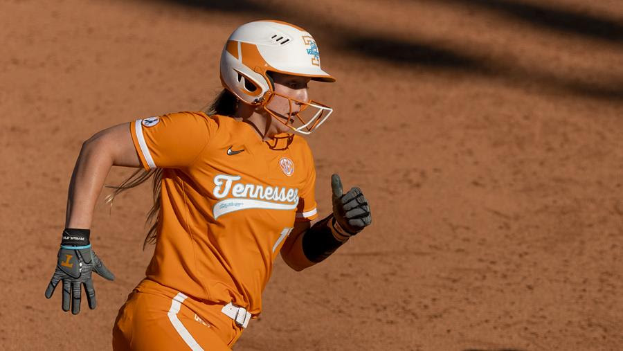 Boxscore/Story: Lady Vols Drop a Heartbreaker in Extra Innings, 3-2