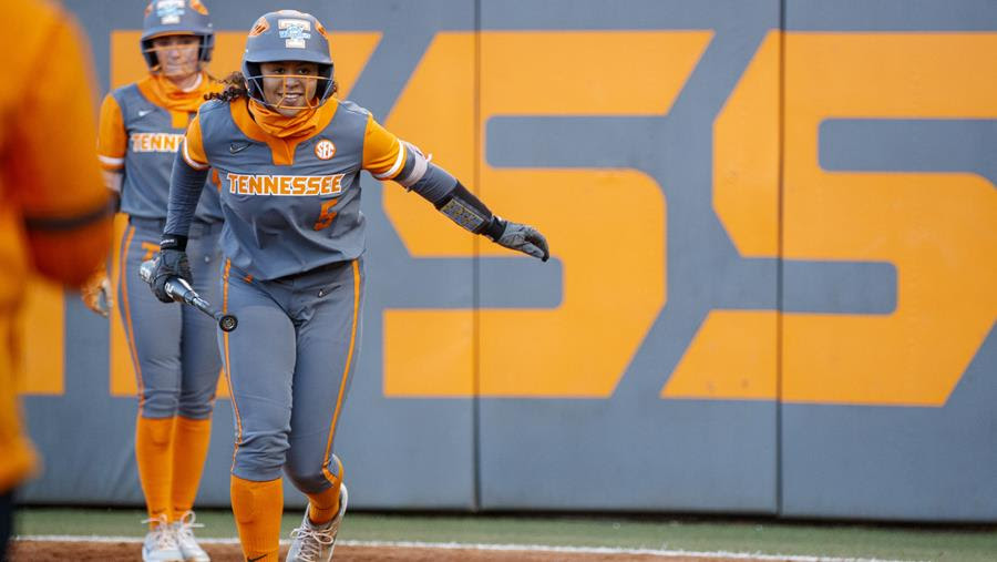 Postgame/Boxscore/Stats/Story: Lady Vols Take Game One Over Auburn, 2-1