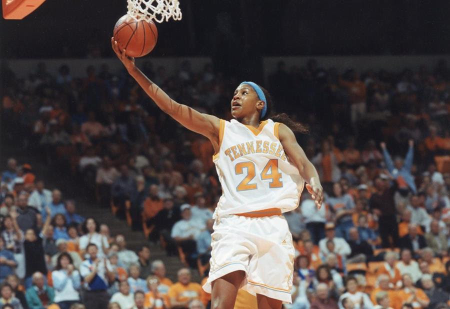 Catchings entering Naismith Memorial Basketball Hall of Fame on Saturday