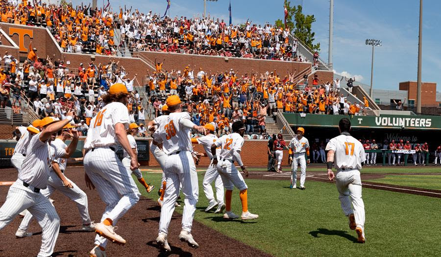 Postgame/Boxscore/Story: Ferguson's Walk-Off Homer Powers #4 Vols Over #1 Hogs