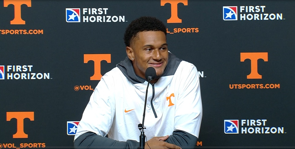 """WATCH: Alontae Taylor on his INT netting fans free cookies """"So when I got to the sideline a couple of guys were like, 'So I get free cookies?'"""