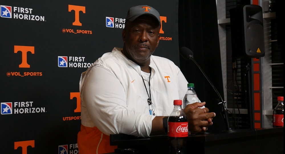 """WATCH: Rodney Garner on needs vs. Florida """"Clean game…relentless effort…play for the T on the side of the helmet"""""""