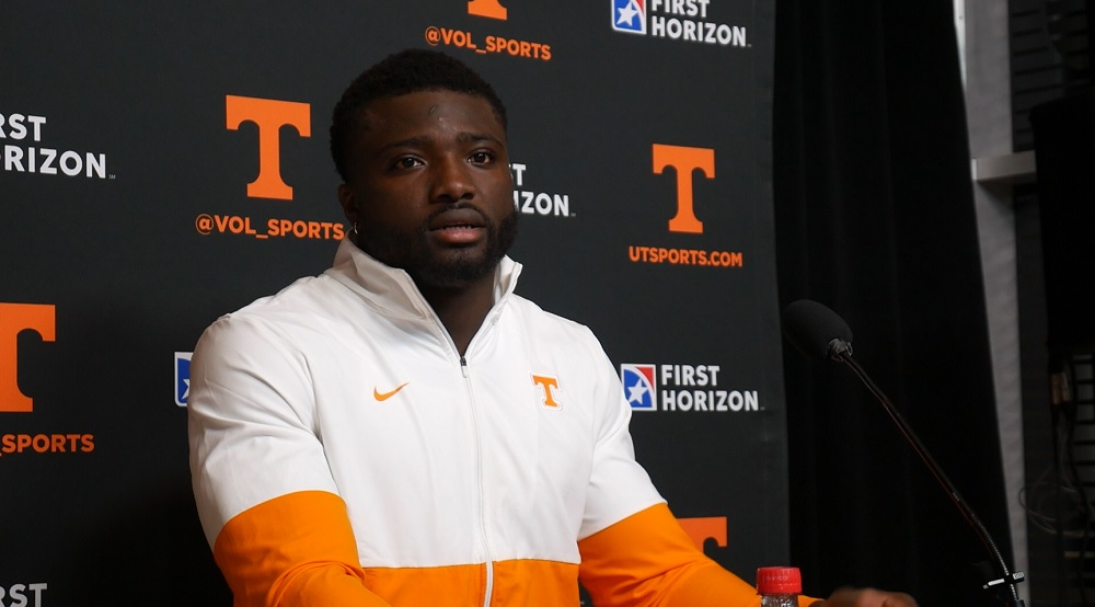 """WATCH: Byron Young on most important things for him vs. UF """"Contain the edge. Keep the quarterback in the pocket."""""""