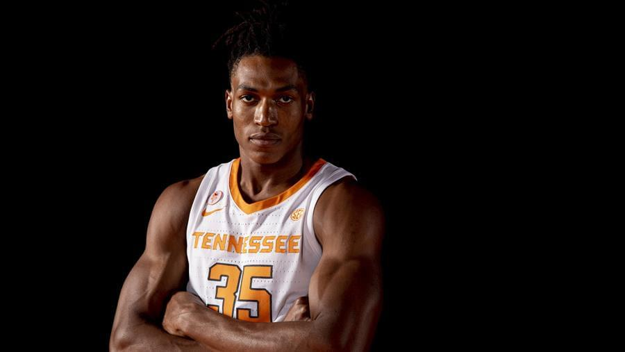 Hoops Preview: Tennessee at #13 Auburn