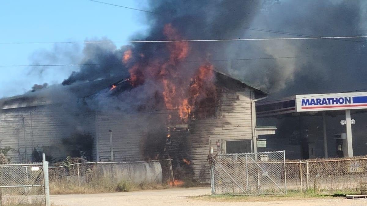 Fire Reported at Speedway Market in Seymour