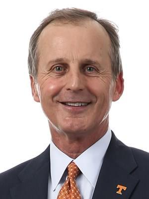 UT Basketball Head Coach Rick Barnes Tests Positive for COVID-19
