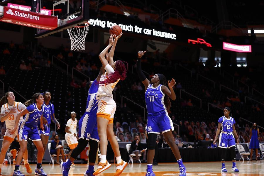 No. 25 Lady Vols Topple No. 12 Cats, 70-53