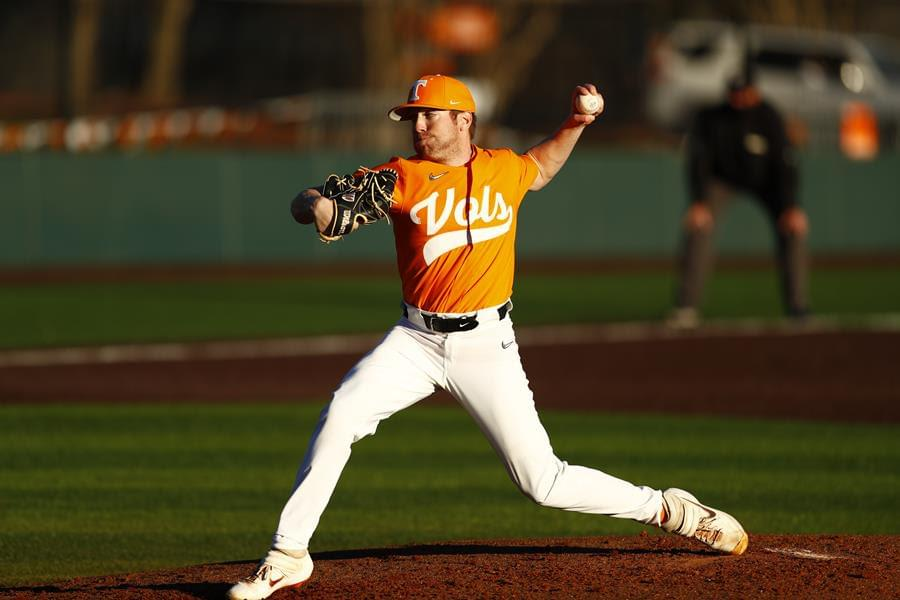 Postgame/Boxscore/Story: #16 Vols Dominate Golden Lions in Home Opener