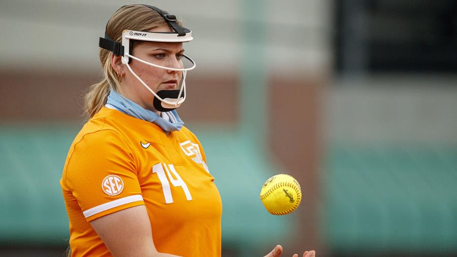 Boxscore/Stats/Story: Tennessee Takes Down SEC Co-Champions Arkansas As Rogers Throws One-Hitter