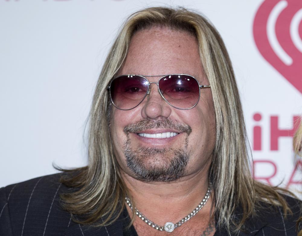 Mötley Crüe Singer Vince Neil Breaks Ribs Falling Off Stage in Pigeon Forge