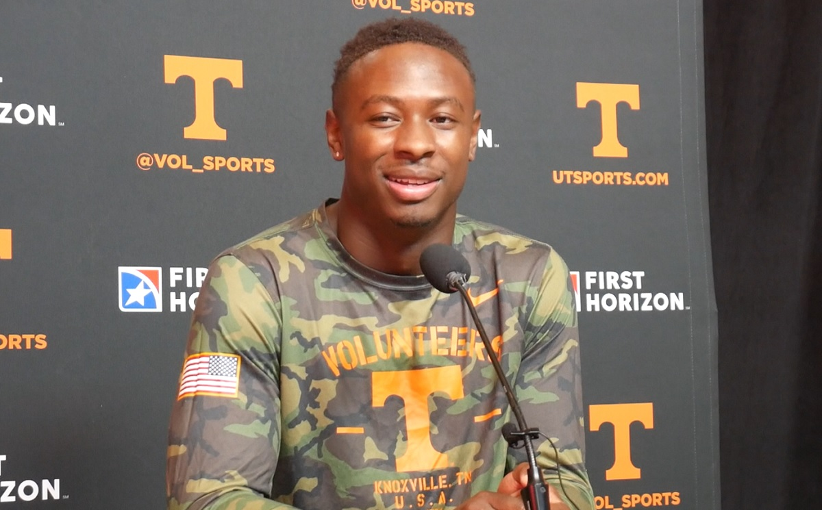 """WATCH: Theo Jackson on playing 101 snaps & not wearing down in Ole Miss game """"It's definitely speaking to conditioning"""""""