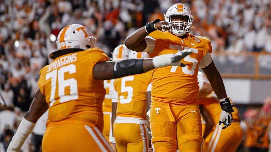 Tennessee Offensive Line Recognized on Joe Moore Award Midseason Honor Roll