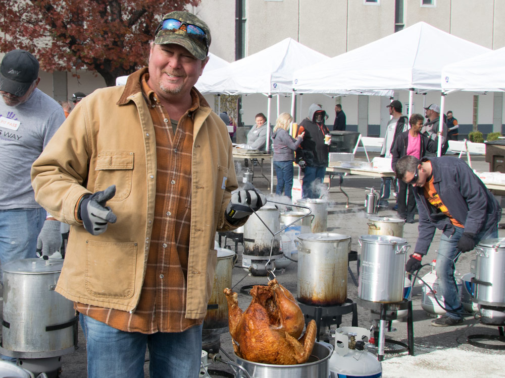 Tracy Lawrence Hosts 11th Annual Thanksgiving Turkey Fry to Feed Nashville's Homeless [Photo Gallery] and Performs Tonight (Nov. 22) at Wildhorse Saloon