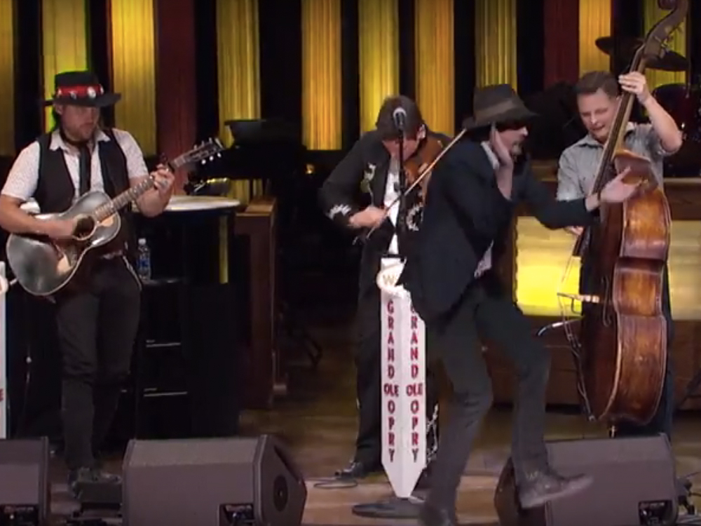 """Exclusive Premiere: Watch Old Crow Medicine Show's Dance-Inducing Performance of """"My Bones Gonna Rise Again"""" on the Grand Ole Opry"""