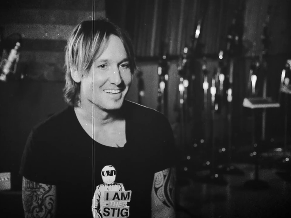 """Keith Urban's """"Blue Ain't Your Color"""" Earns Rare """"Billboard"""" Trifecta"""