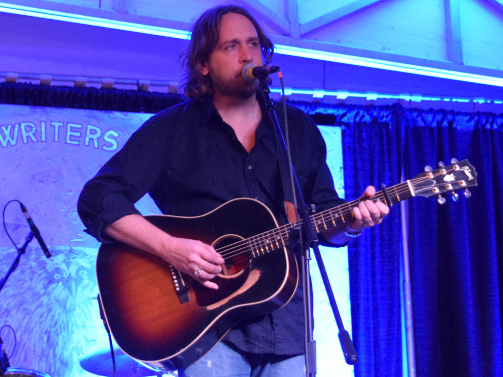 "Premiere: Hear Hayes Carll's ""Girl With the Dirty Hair"" From New Tribute Album"
