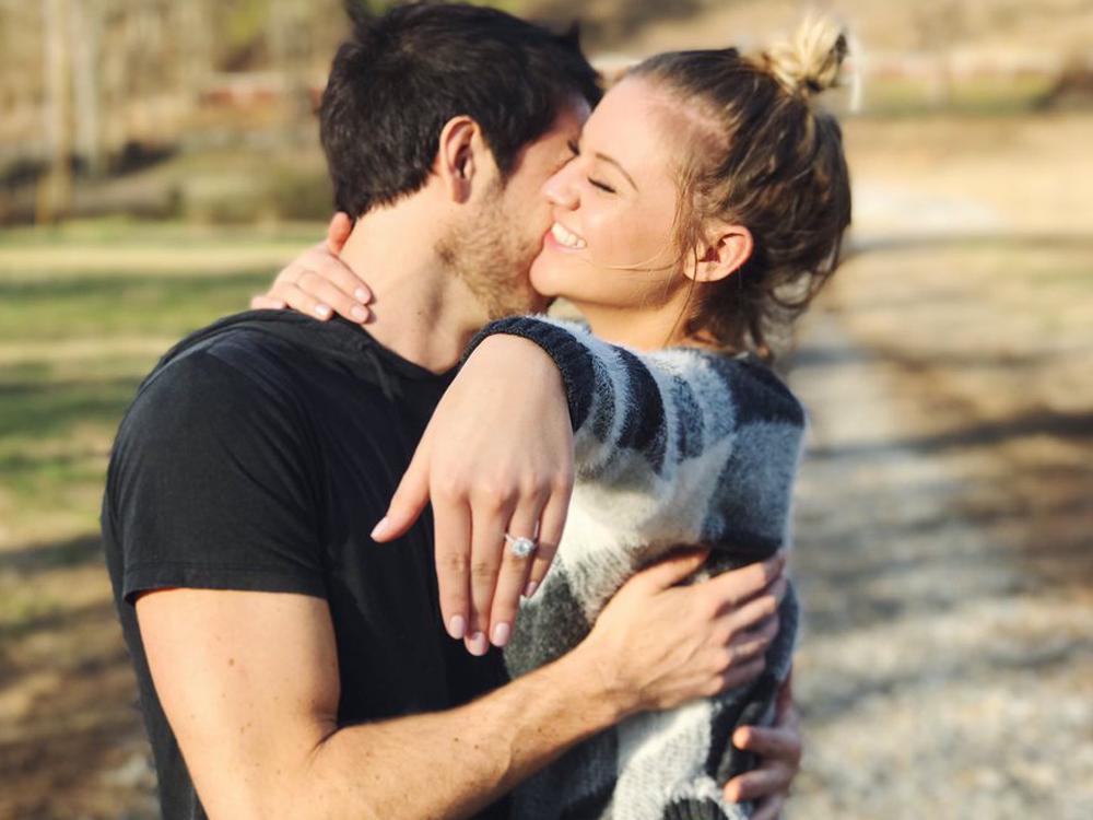 Kelsea Ballerini Gets Engaged to Boyfriend Morgan Evans