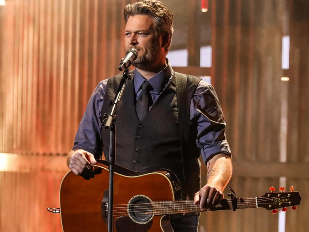 "Watch Blake Shelton Perform ""Hell Right"" on ""Ellen"""