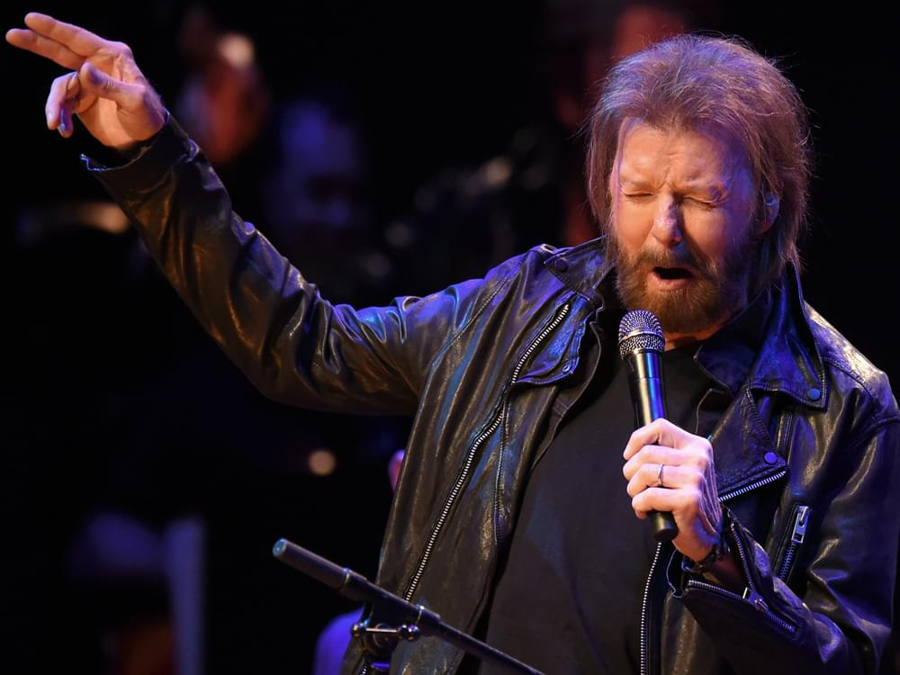 "Listen to Ronnie Dunn Cover Eric Clapton's ""Wonderful Tonight"" From New Album, ""Re-Dunn"""