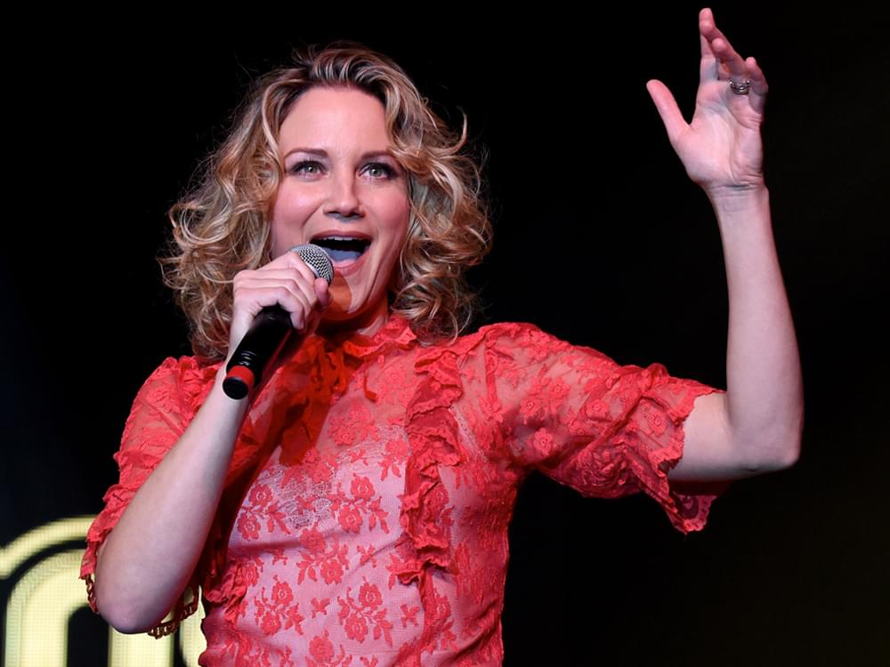 "Jennifer Nettles Releases Hopeful New Rendition of Broadway's ""Tomorrow"" [Listen]"
