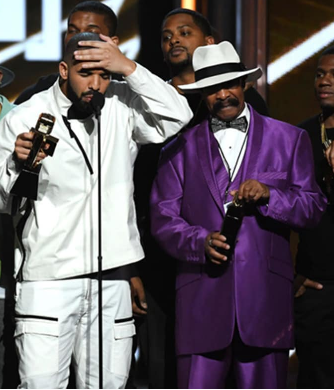 Drake's Dad Billboard Awards Outfit Was Eye Catching (Video)