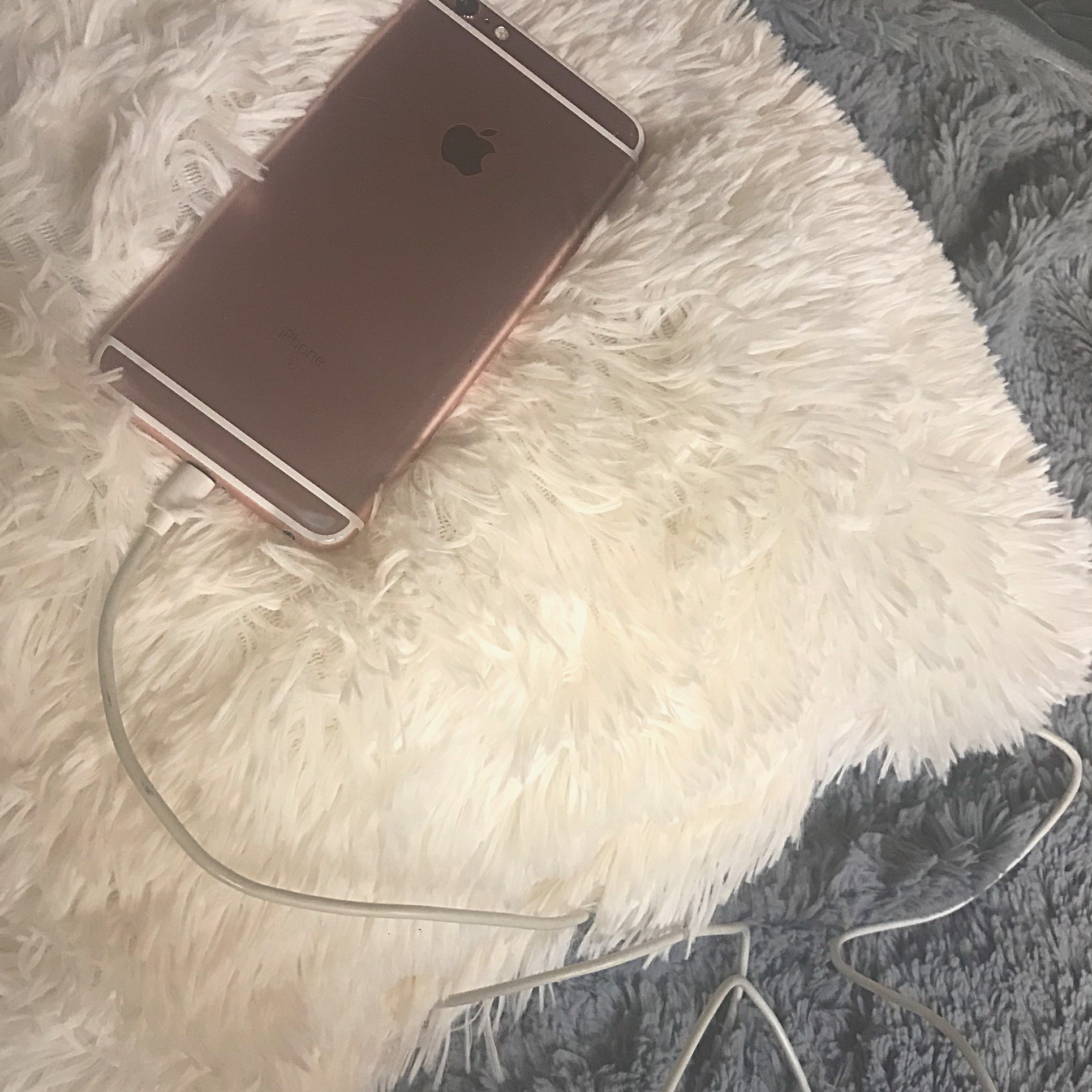 WARNING: Phone charger electrocutes 14 year old in bed.
